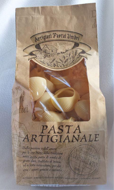 Giant artisan pasta shells